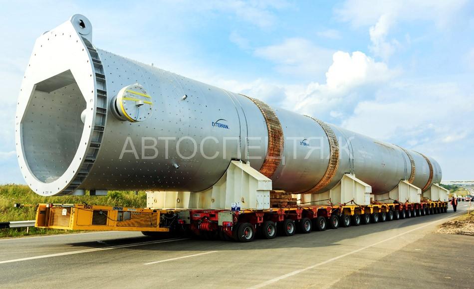 Перевозка реактора автотранспортом фотография